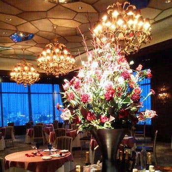 【Xmas2018】生演奏&シャンパン含むフリードリンク付!特別ディナーを地上22階からの夜景と共に