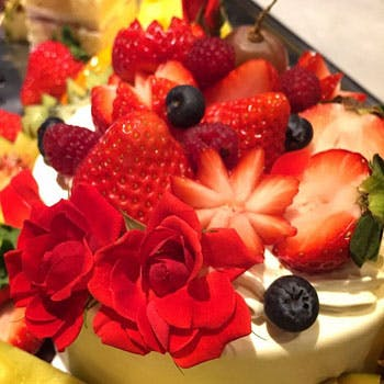 【特別記念日】乾杯酒付・ホールケーキ付!その日の食材を至極の一皿に。<イタリアン>