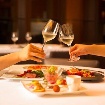 【スパークリングワイン含む飲み放題】選べるメインディッシュと厳選食材のフルコース<イタリアン>