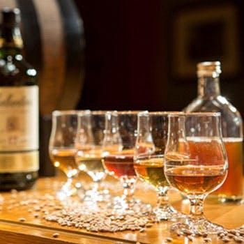 モルト&ブレンデットウイスキーがフリーフロー!【乾杯シャンパン・ローストビーフも】12,380円→5,500円