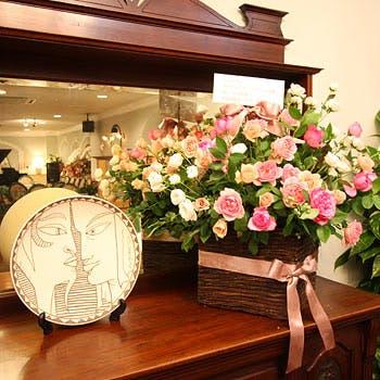 【ご家族のお祝いに】結納やご会食、ご家族のお祝いに。テーブル装花でコーディネイトした特別室をご用意!