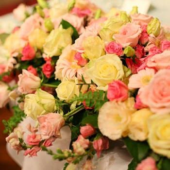 【個室確約】プロポーズ等、大切な一夜を・・・1日1組限定!バラ100本の花束に思い出の記念オプション付!