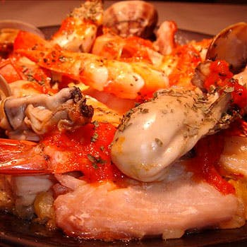 真牡蠣食べ比べと鍋のコース ブイヤーベース鍋