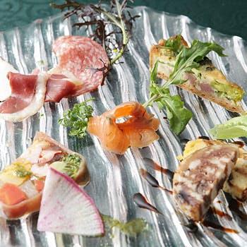 【一休限定】特別価格3,024円!前菜5種盛り合せ、本日のパスタ、メイン、バレンシア特製ドルチェなど全4品