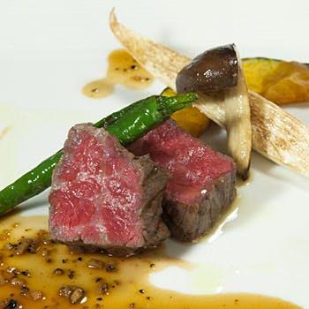 【アップグレード】メインを国産牛フィレ肉へ!ウェルカムドリンク付!パスタ、バーニャカウダなど全5品