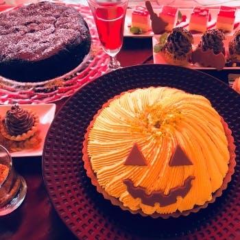 【10/26】ハロウィンパーティー!目にも楽しいハロウィンデザートやお料理も食べ放題!カフェお替わり自由