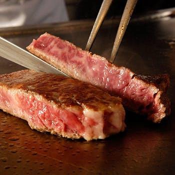 スパークリングもフリードリンクに!前菜盛合せやピッツァ、メインに厳選牛肉リブロースを食す6品コース!