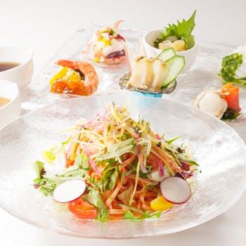 【夏季限定】贅沢素材の魚介涼麺でホテルランチ!食後のコーヒー付き