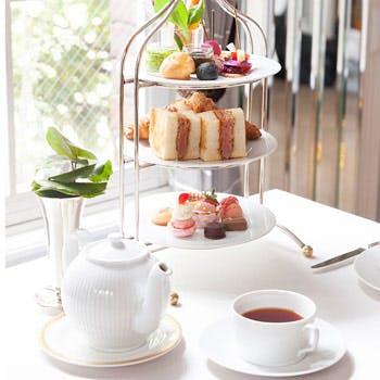 【プレミアム・アフターヌーンティー】ロンネフェルトの紅茶やフィレカツサンドも楽しめる充実のメニュー
