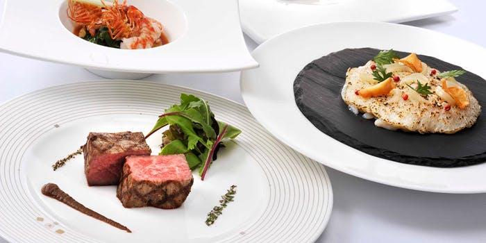 セントレジスホテル「ラ ベデュータ」の料理写真