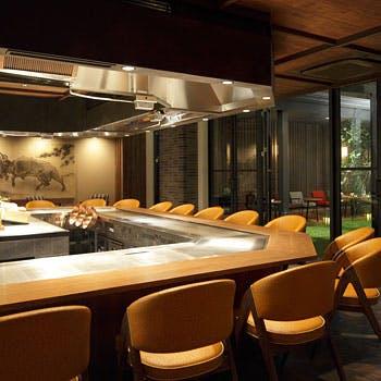 【厳選コース】ライブ感のある開放的なカウンター席で!料理長オススメの厳選食材をご堪能ください!