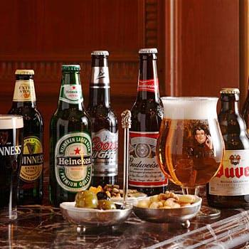 シャンパン付!国産牛グルメバーガー+生ビール、瓶ビール、カクテル、ワインなど飲み放題!5,600円