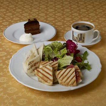 CAFE COVA SHINJUKU