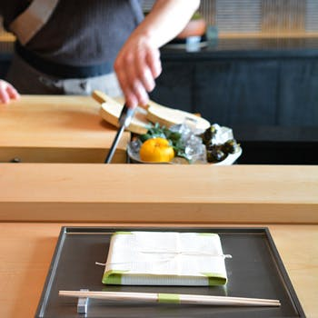 【一休限定】江戸の粋を感じる本格江戸前鮨を6ッ星ホテル最上階で愉しむ 12,000円