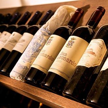 【4ドリンク付】スパークリング&ソムリエ厳選ワイン3杯と共に自慢のパスタ・メイン等5皿12000円→10000円