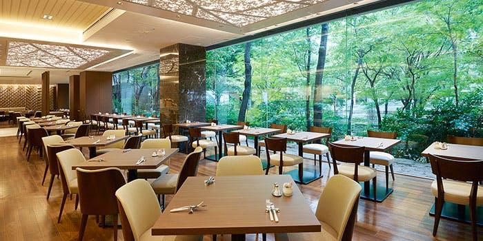 【第1位】京王プラザホテル「オールデイダイニング 樹林」