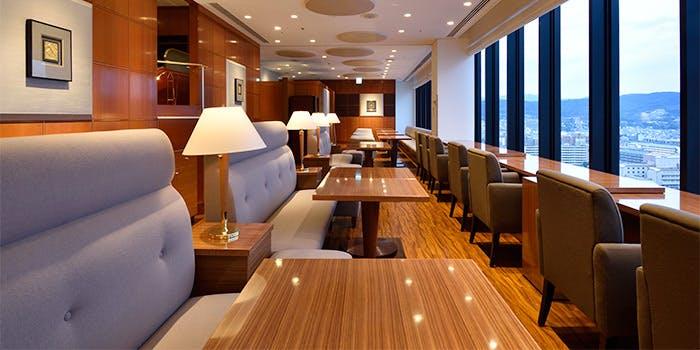 もっとおしゃれなのは「ホテルグランヴィア京都 スカイラウンジ サザンコート」の写真1