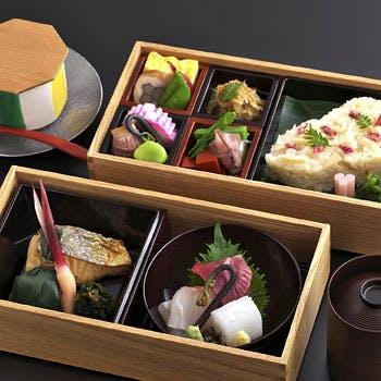 【一休限定】選べる1ドリンク付!お昼の会合にもぴったりな特製2段弁当!<個室確約>