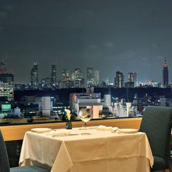 【窓側確約】シェフのおすすめディナーコースを地上100メートルの夜景とともに