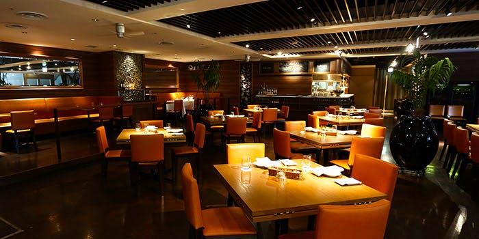 2位 個室予約可!チャコールダイニング「バルコニーレストラン & バー」の写真2