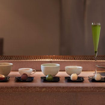 【和菓子のお土産付】木のぬくもりを感じる店内で5種類の和菓子とお茶のペアリング〜茶果〜