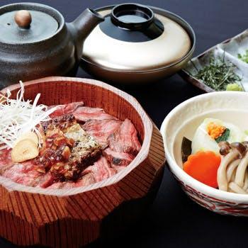 【平日個室優先プラン】炭焼きフォアグラと黒毛和牛のひつまぶしを堪能!小鉢・香の物・味噌汁付!