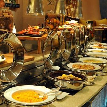 【席のみプラン】店内の石釜で焼くピザや種類豊富な旬を感じるディナーブッフェをお楽しみ下さい(平日)