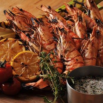 【サマ割Vol.1】蟹、ローストビーフ、窯焼ピザなど種類豊富なディナーブッフェ(土日祝)