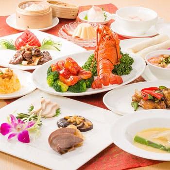 本場の料理人が時間をかけて仕上げた珍味を含む涵梅舫の宮廷料理全12品 暁月コース 21,600円