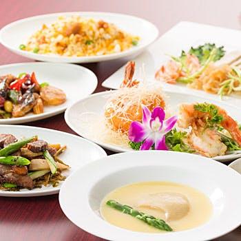 フカヒレの姿煮込みや北京ダック、海老の二種炒めなど!本場の味を堪能!さらに選べる1ドリンク付き!