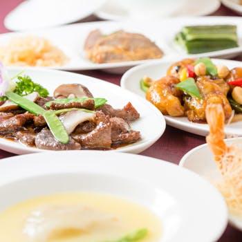 フカヒレの姿煮や海老、牛肉など料理長が手掛ける本場の味を!8,640円
