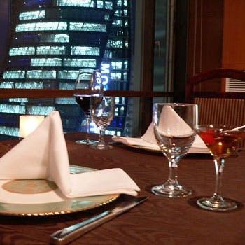 【窓側確約】記念日に!フリードリンク付き!夜景と豪華フレンチフルコースディナー 乾杯カクテル付