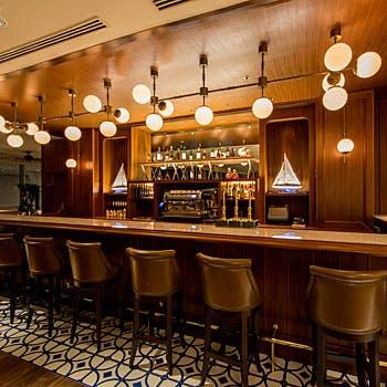 ラウンジ&バー マリンブルー/ヨコハマ グランド インターコンチネンタル ホテルの写真
