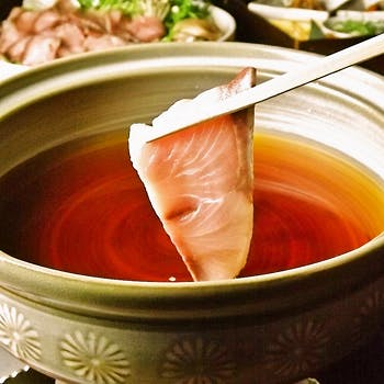 【スパークリング含2,5H飲み放題】丸鶏鍋・天然鰤しゃぶ・牡蠣とイワシ団子鍋 3種の贅沢鍋が選べる全6品
