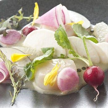 【Lunch】アミューズ+前菜+スープ+魚or肉のメイン料理+デザート付!プリフィクスランチ2,800円