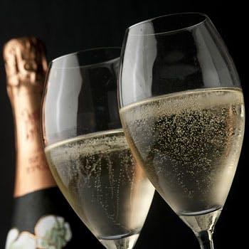 【一休限定】グラスシャンパン料理に合わせてワイン4杯の計5杯付!季節のお料理全5品とのマリアージュを!