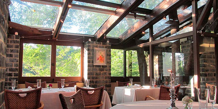仏蘭料理ラ・テラスの内観写真