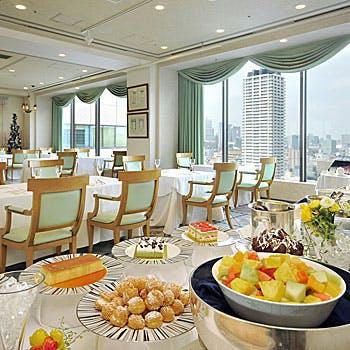 【一休×土日限定】乾杯ドリンク付!ホテル最上階で楽しむ40種類以上のブッフェ!5940円→…