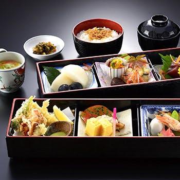 シビック スカイレストラン椿山荘の写真
