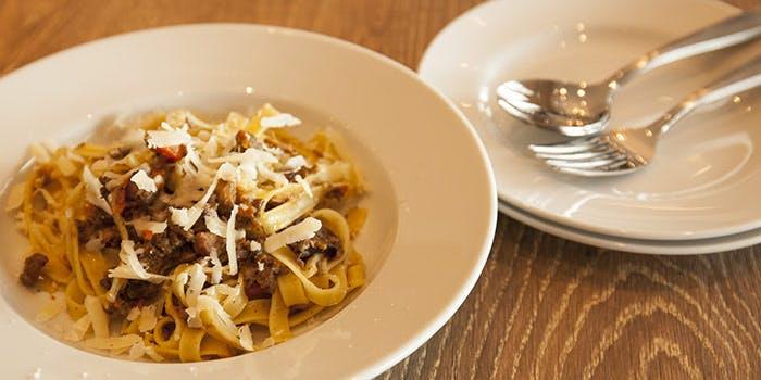 24位 創作料理「モッタポルテーニョ」の写真2