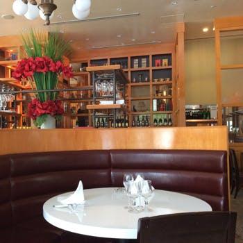 【スパークリング・サングリア・ワインカクテル等飲み放題】人気のフォアグラ料理や選べるメインなど全4品