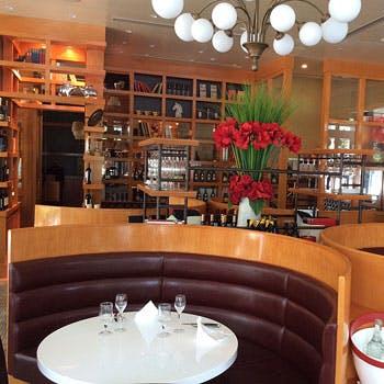 【週末限定】乾杯スパークリング&カフェお代わり可!名物のフォアグラ料理やメインが選べる全4品
