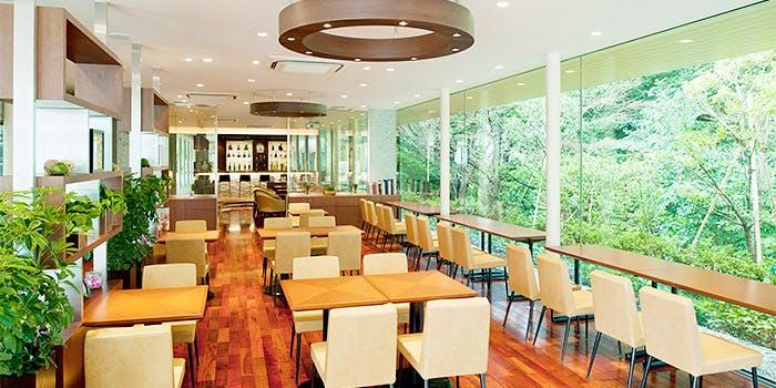 Cafe&Bar結庵の内観画像