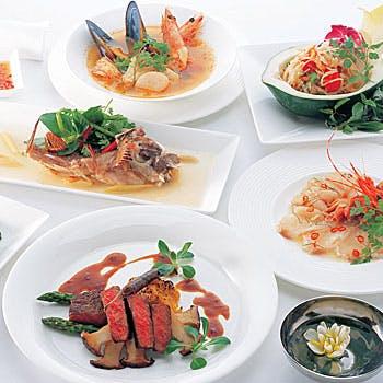 【乾杯スパークリング,食後のお飲み物付】メインが選べる!厳選素材の伝統的タイ料理全7品