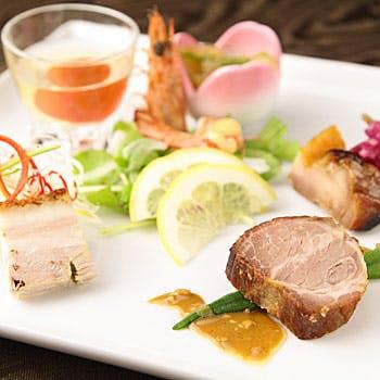 梅田スカイビル39階、高層階レストランで愉しむ!季節替りおすすめランチコース全7品をご堪能