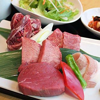 韓国惣菜と焼肉 トラジの写真