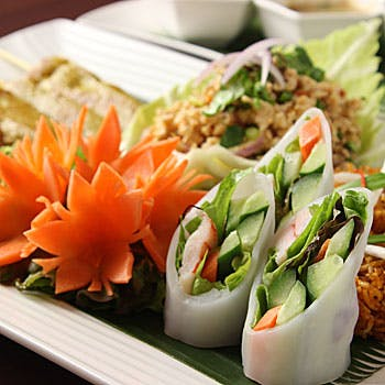 【一休限定】選べる1ドリンク付!ラグジュアリー空間で愉しむ人気のある本格タイ料理全7品!