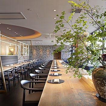 【一休限定】選べる1ドリンク付!開放的な空間で鮮魚三種盛り・鰆の西京味噌焼き等堪能<松懐石6,000円>