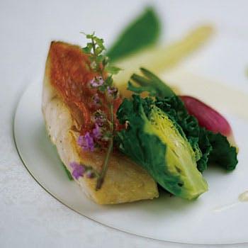 【ディナーコース】牛肩フィレ肉のグリルをメインに!魚料理、にぎり寿司、デザートなど和洋折衷の全6品
