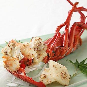 【御結納・御顔合わせに最適!】1番人気の蟹料理や黒鮑、伊勢海老料理も堪能!シェフおまかせフルコース